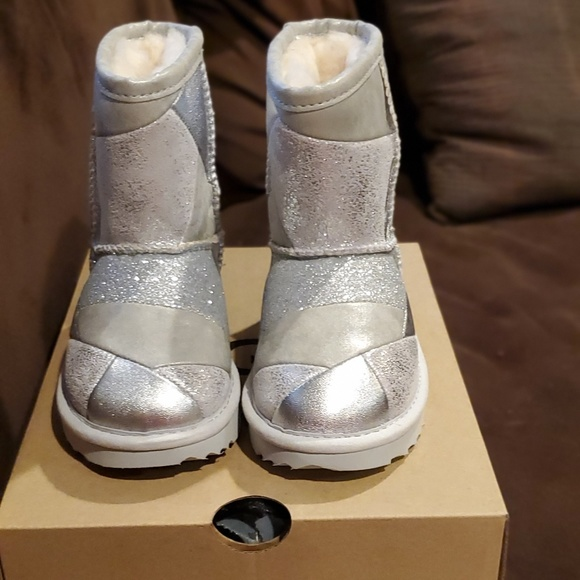 28f0bc1b985 NWT Toddler Girls Ugg Metallic Patchwork Boots 8 NWT
